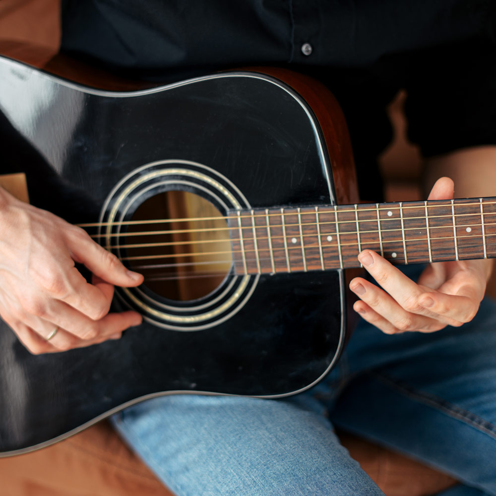 David Strand's advice on buying your first guitar