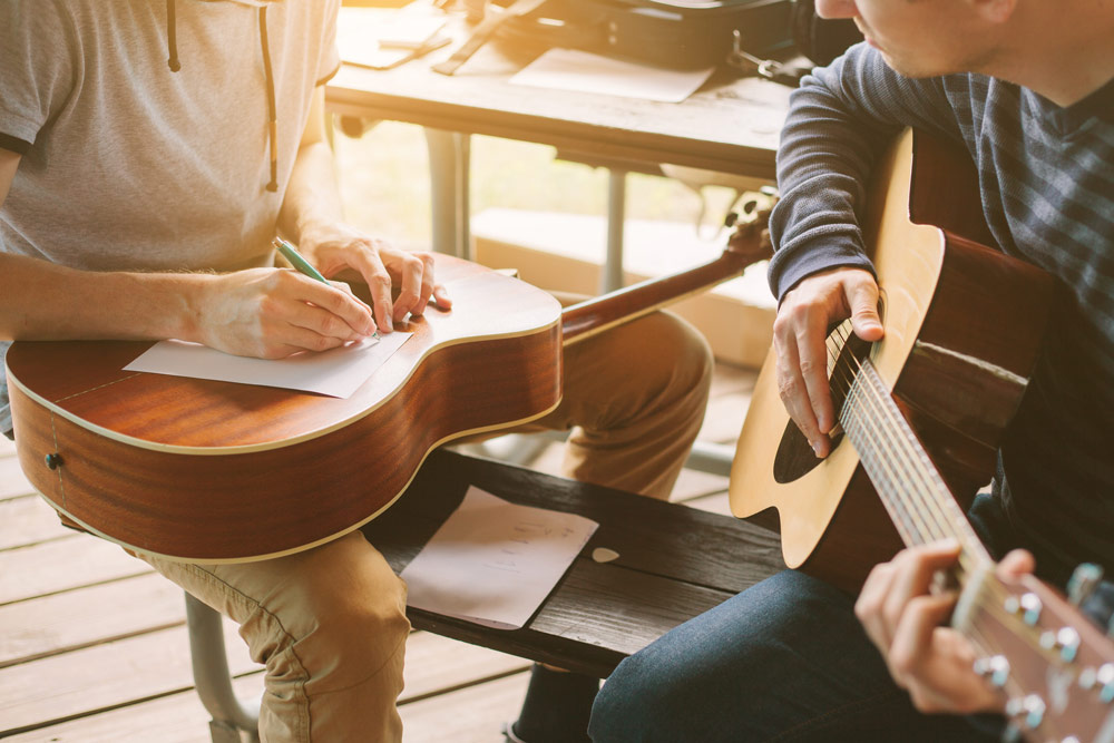 Children's Guitar Lessons by David Strand
