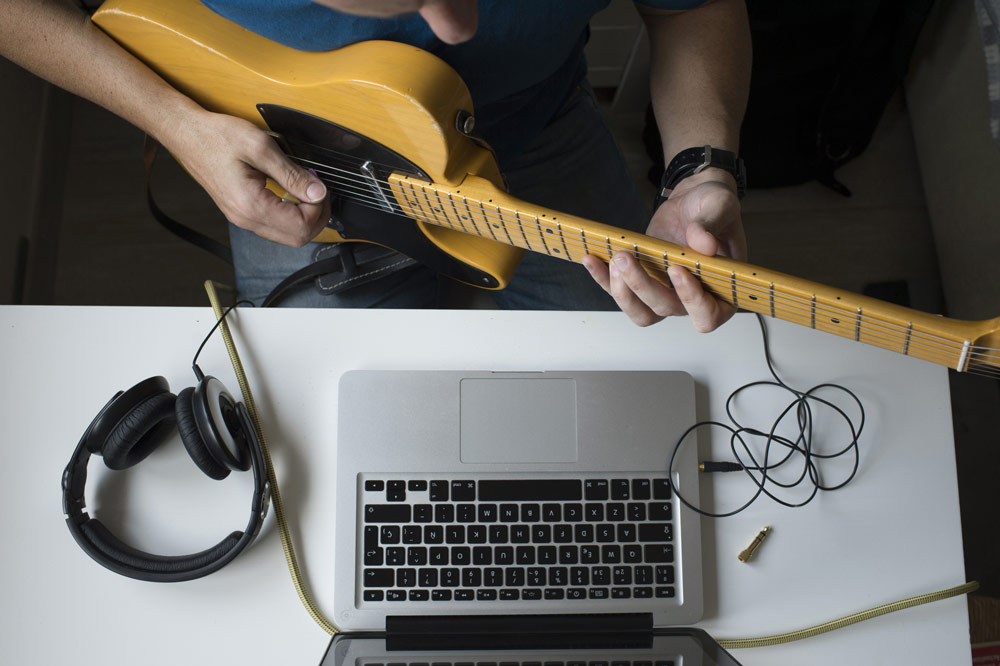 Online Guitar Lessons with David Strand